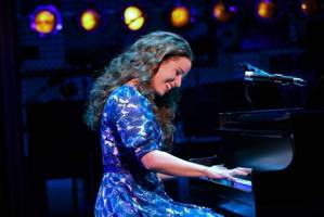 Chilina Kennedy dazzles as Carole King in Beautiful on Broadway